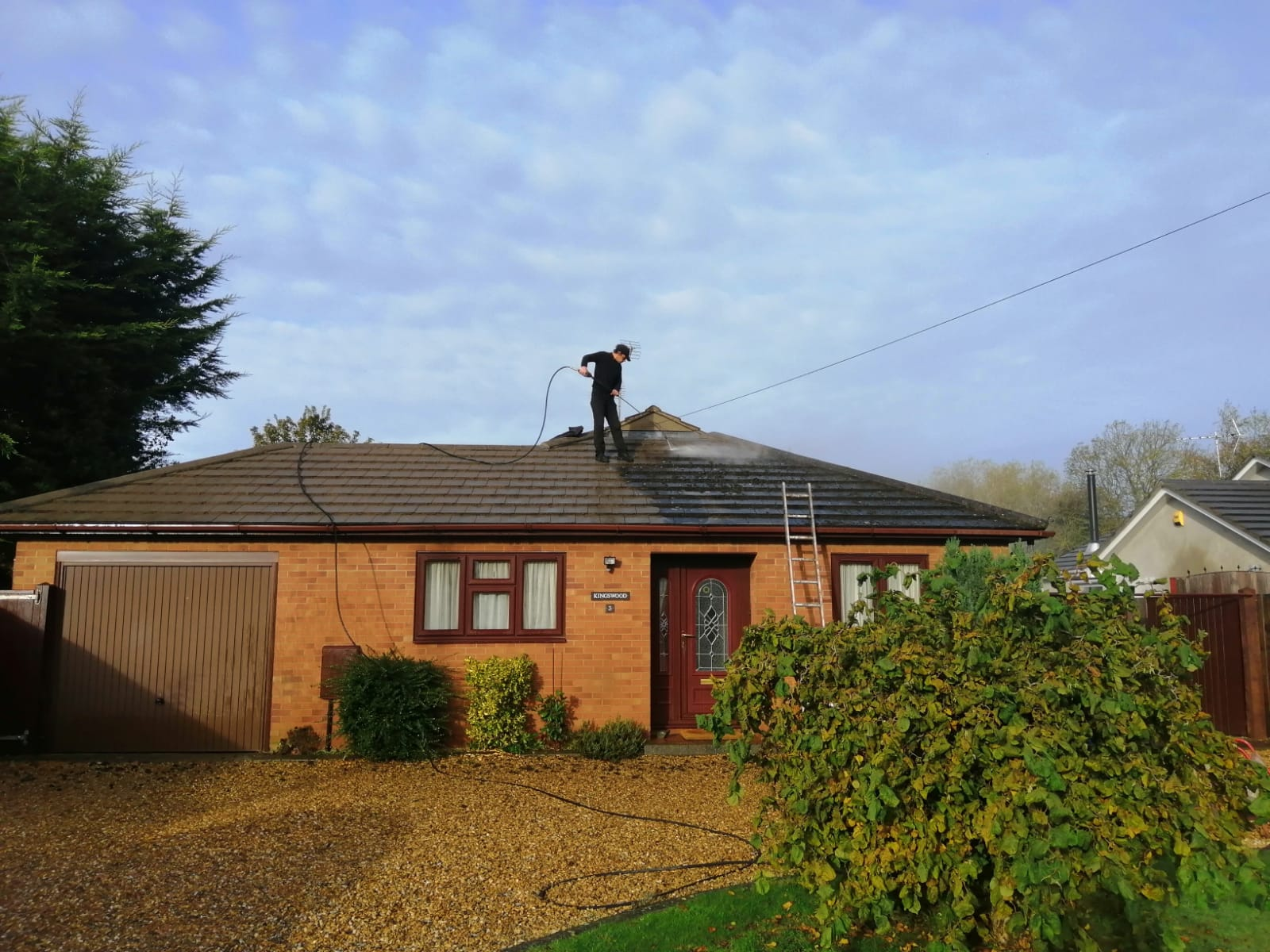 roof cleaning cambridge